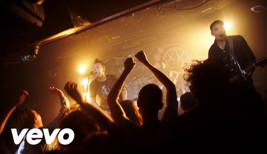 僕らのBlink-182が帰ってきた!「Bored To Death」のミュージックビデオが公開されました!